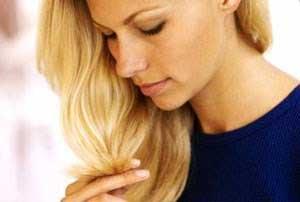 Как вылечить секущиеся кончики волос?