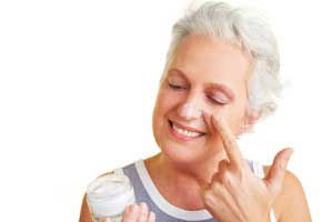 Выбор крема для зрелой кожи